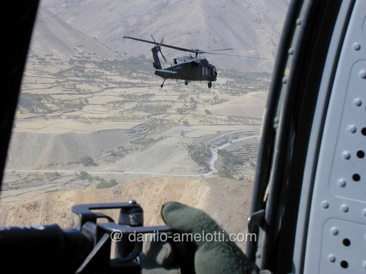 danilo-amelotti-com-close-protection-enduring-freedom-in-flight-2