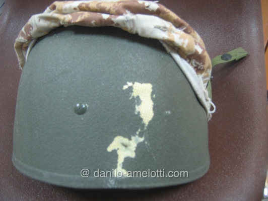 danilo-amelotti.com Iraq close Protection Incursori after firefight helmet with bullet ...